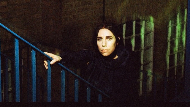 PJ Harvey (Photo by Maria Mochnacz)