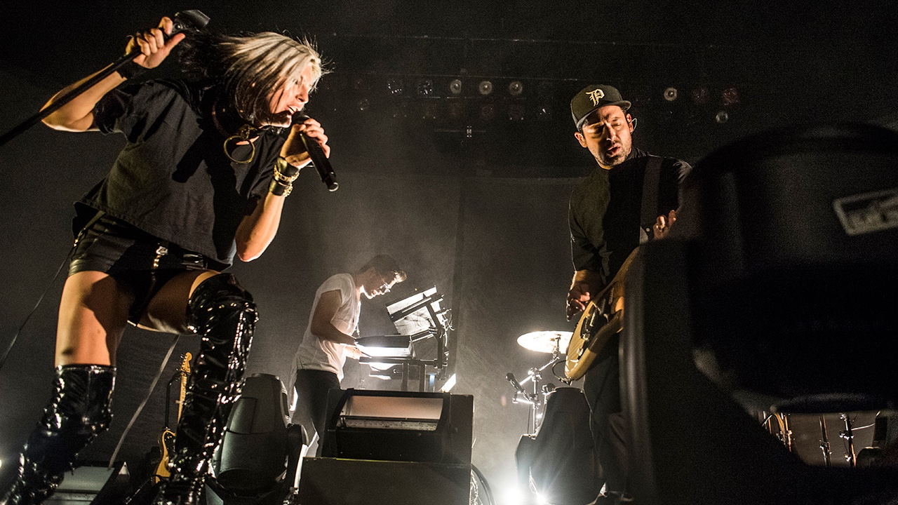 Phantogram at the Hollywood Palladium (Photo by Annie Lesser)