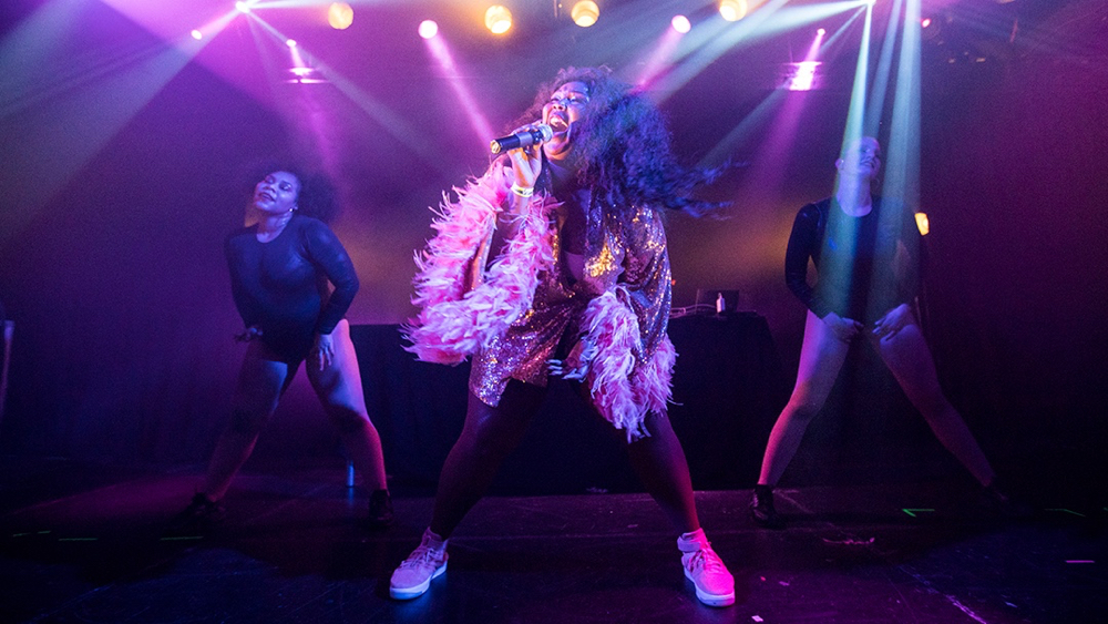 Lizzo at the Echoplex (Photo by Carl Pocket)