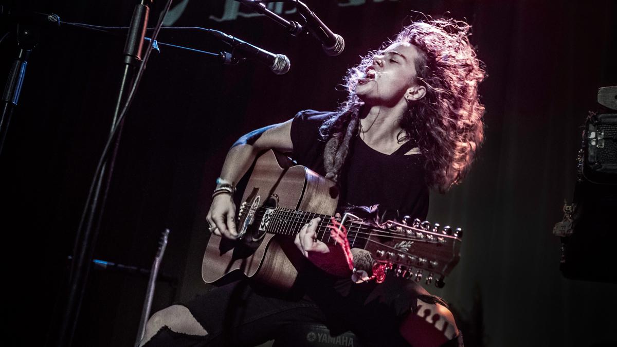 Tash Sultana (Photo by Ben Houdijk)
