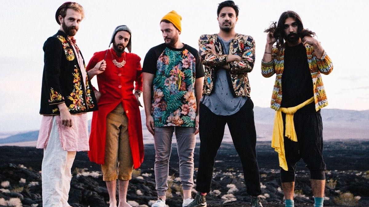 Young the Giant (Photo by Kelly Victoria)
