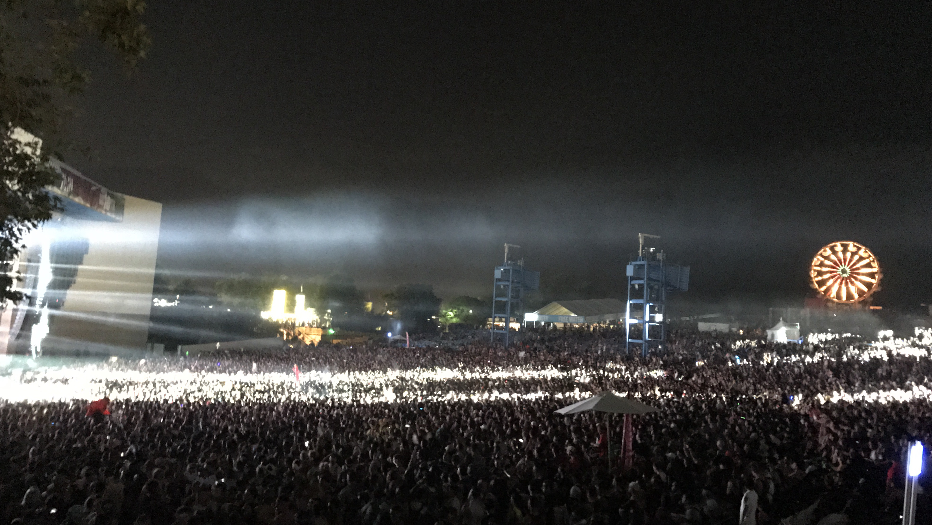 The crowd at Day 1 of HARD Summer (Photo by Roy Jurgens)