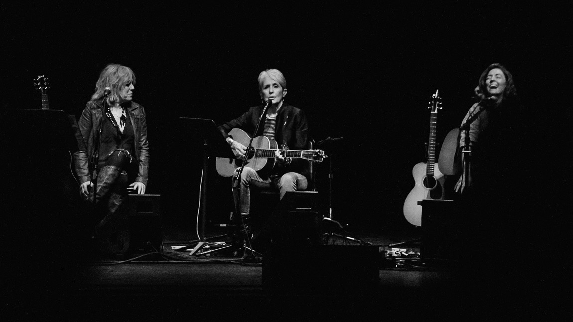 Joan Baez at the Wiltern (Photo by Andie Mills)