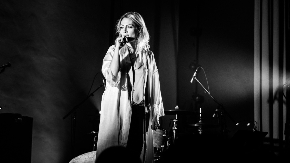 Emily Haines at the Masonic Lodge at Hollywood Forever (Photo by Annie Lesser)