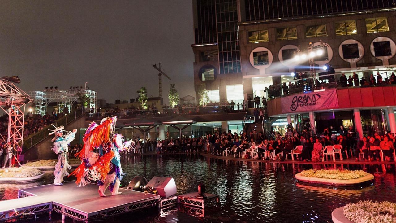 Scene from Grand Performances 2017 (Photo by Brian Feinzimer)